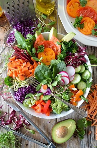 cheat day hænger sammen med restriktiv spisning - og fører ofte til overspisning
